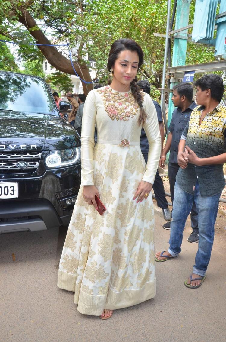 96-vijay-sethupathi-trisha-pooja-stills-005