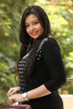 telugu-actress-abhinaya-stills-019