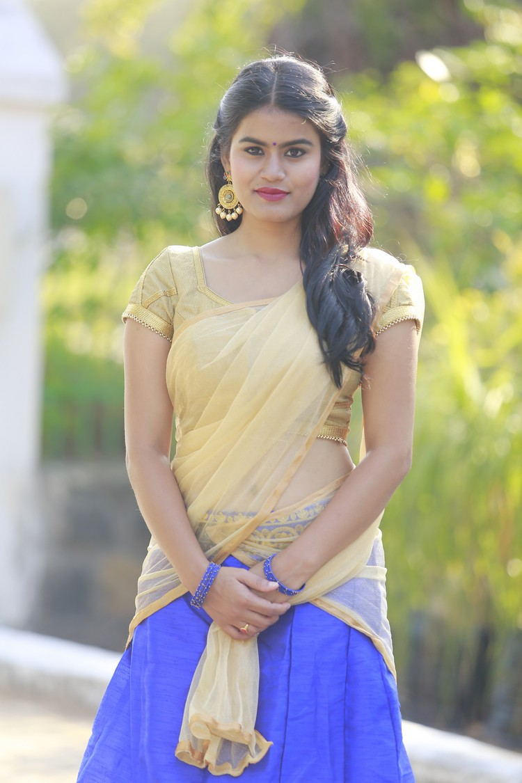 actress-riyamikka-stills-004