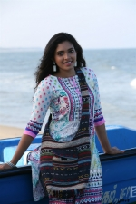 adhi-maedhavigal-movie-stills-006