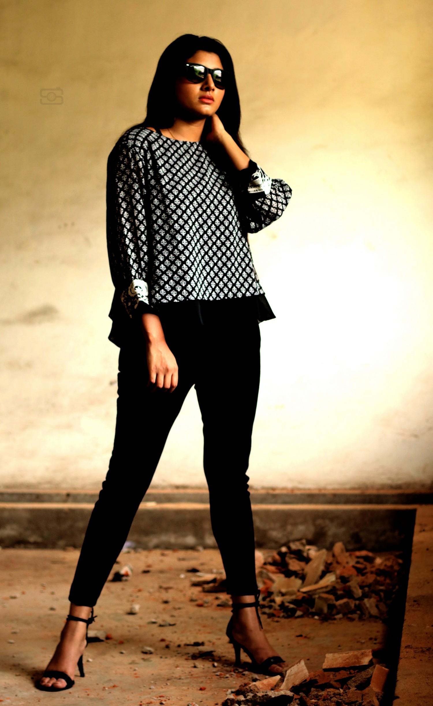 adhiti-actress-stills-010