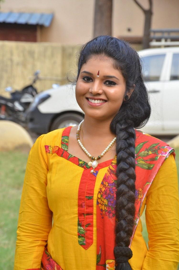actress-anu-krishna-stills-008