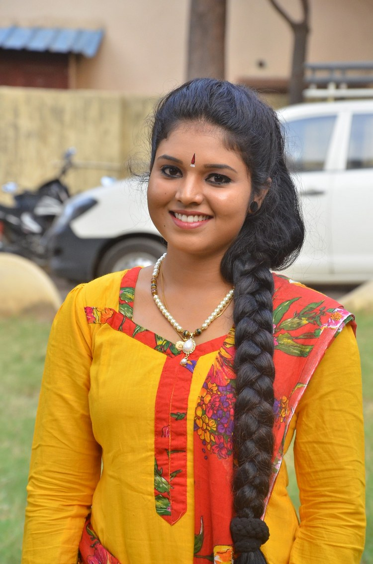 actress-anu-krishna-stills-009