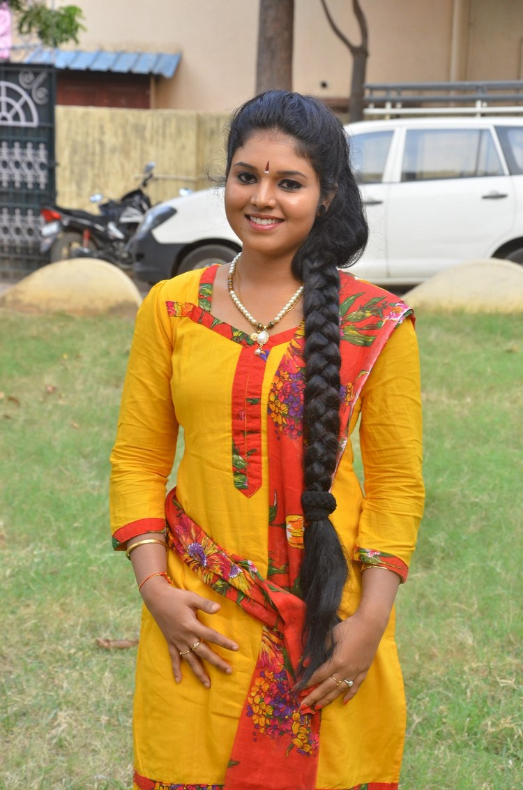 actress-anu-krishna-stills-010
