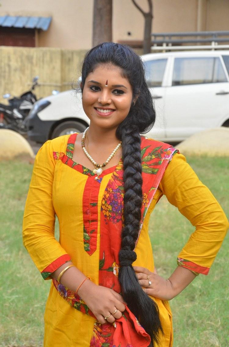 actress-anu-krishna-stills-015