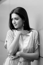catherine-tresa-actress-ps-stills-055