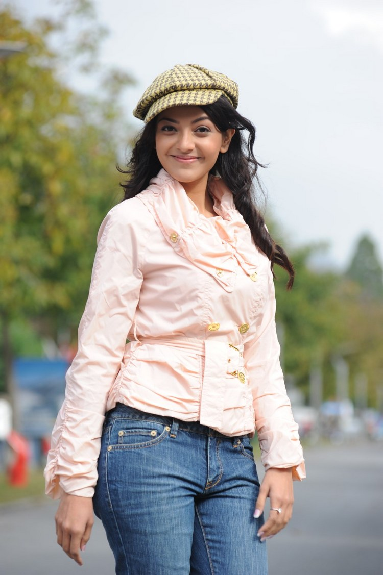 actress-kajal-agarwal-stills-004