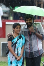 kalavu-thozhirchalai-movie-stills-005