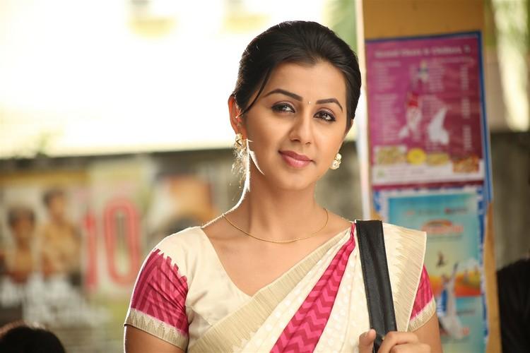 maragatha-naanayam-movie-stills-026