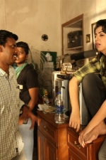 maragatha-naanayam-movie-stills-017