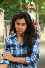 maragatha-naanayam-movie-stills-029