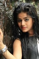 Munnodi-Yamini-Bhaskar-01