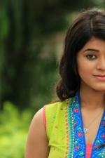 Munnodi-Yamini-Bhaskar-02