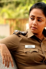 naachiyaar-movie-stills-011