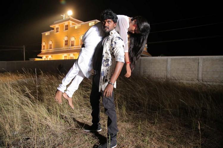 onaaigal-jaakiradhai-movie-stills-027