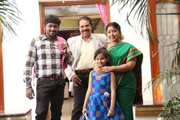 onaaigal-jaakiradhai-movie-stills-031