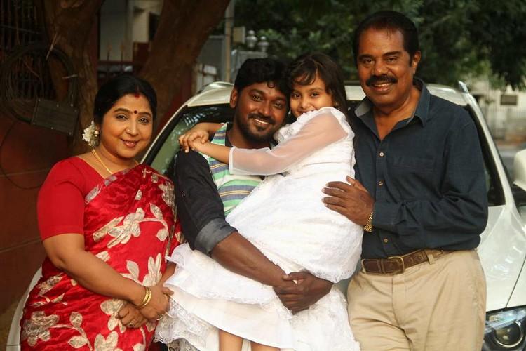 onaaigal-jaakiradhai-movie-stills-046