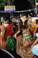oviya-police-raajyam-movie-working-stills-003