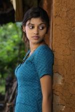 oviya-police-raajyam-movie-working-stills-004