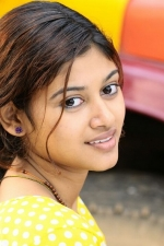 oviya-police-raajyam-movie-working-stills-005