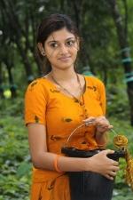 oviya-police-raajyam-movie-working-stills-007