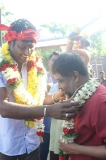 sandakozhi-2-movie-pooja-stills-016