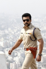 surya-shruthi-anushka-singam-3-movie-stills-002