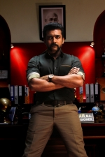 surya-shruthi-anushka-singam-3-movie-stills-003