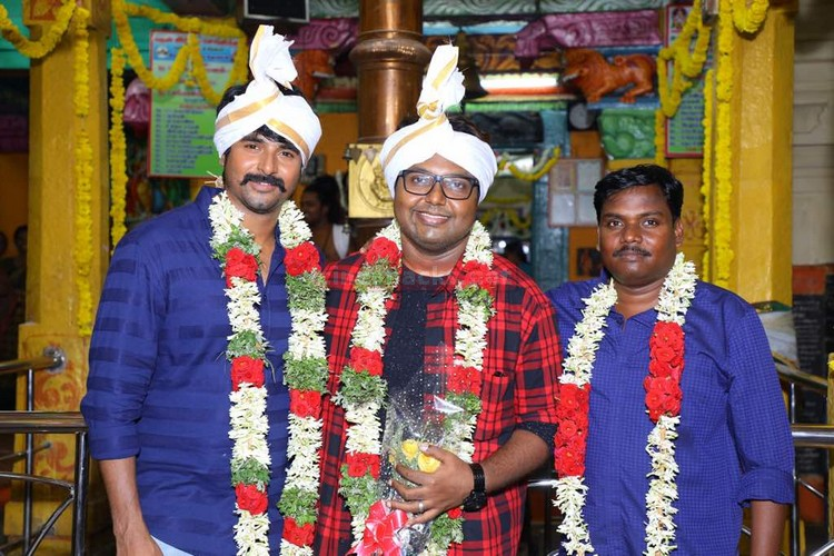 sk12-movie-pooja-stills-009