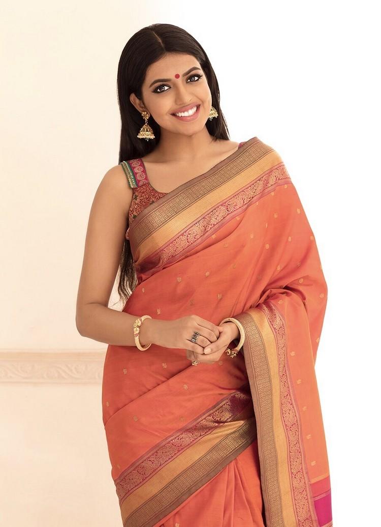 actress-shivani-rajasekar-stills-002