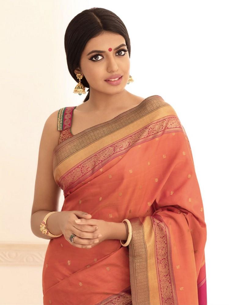 actress-shivani-rajasekar-stills-004