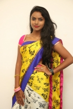 sowmya-actress-stills-005