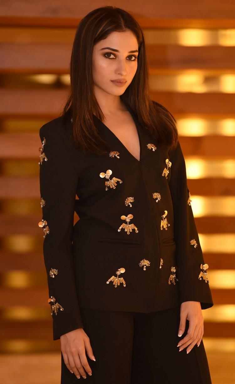 actress-tamannah-bhatia-stills-002