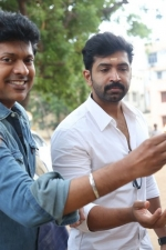 thadam-movie-pooja-stills-018
