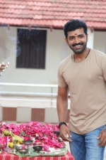 thadam-movie-pooja-stills-033