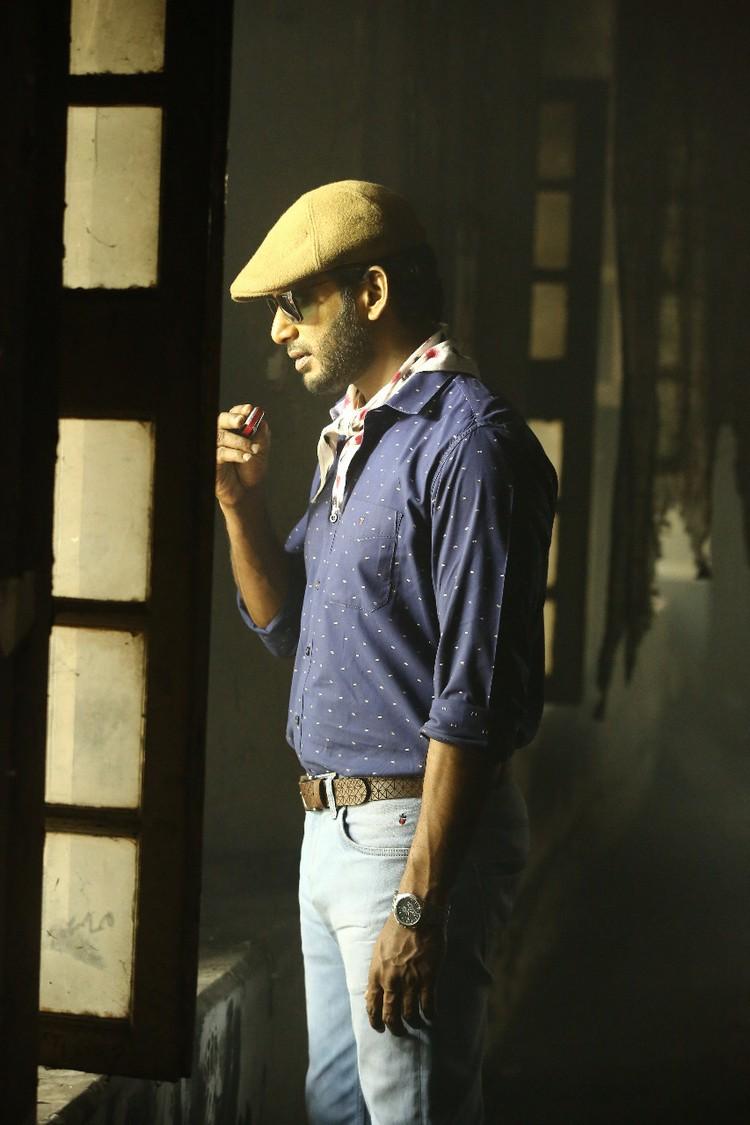 thupparivaalan-movie-stills-014