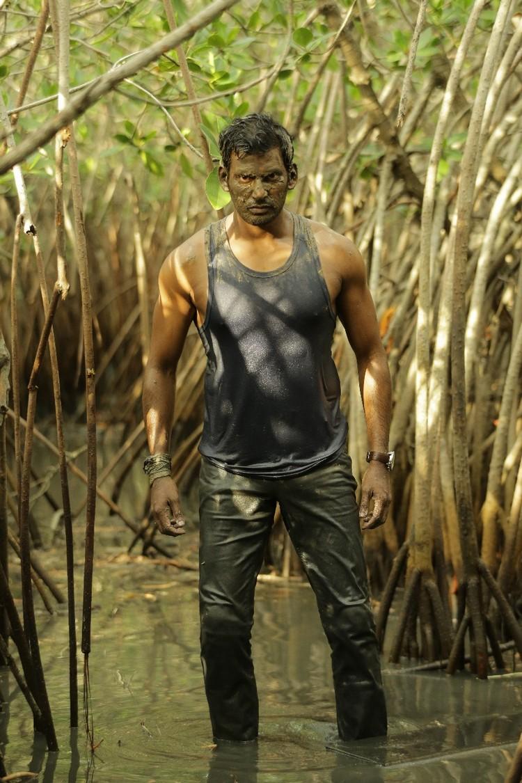 thupparivaalan-movie-stills-022