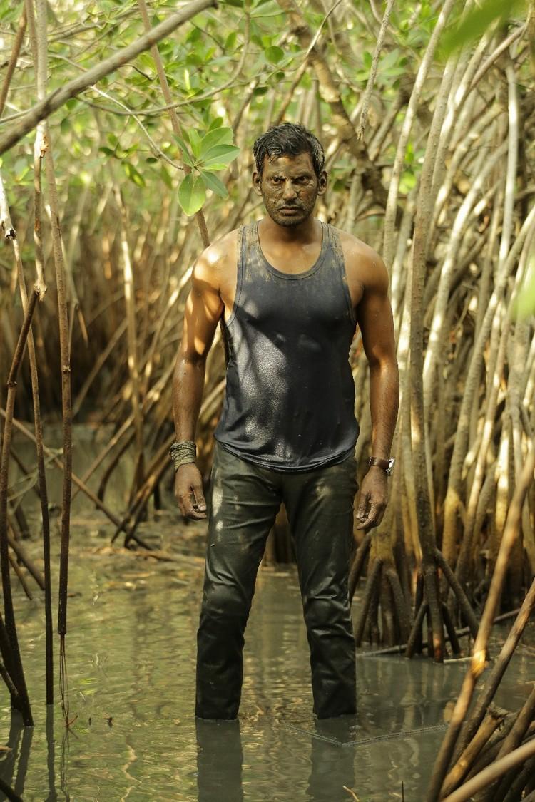 thupparivaalan-movie-stills-023