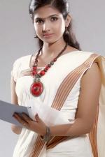 actress-venba-stills-023
