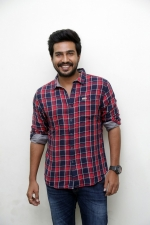 vishnu-vishal-movie-pooja-stills-002