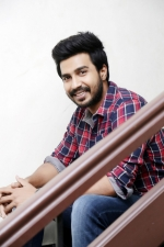 vishnu-vishal-movie-pooja-stills-004