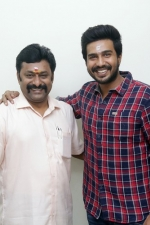 vishnu-vishal-movie-pooja-stills-014
