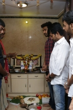 vishnu-vishal-movie-pooja-stills-019