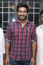 vishnu-vishal-movie-pooja-stills-023