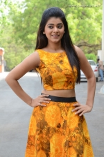 telugu-actress-yamini-bhaskar-stills-004