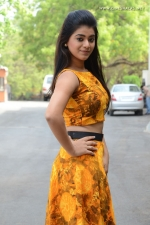 telugu-actress-yamini-bhaskar-stills-005
