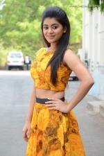 telugu-actress-yamini-bhaskar-stills-008