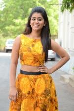 telugu-actress-yamini-bhaskar-stills-011