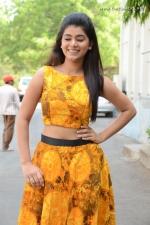 telugu-actress-yamini-bhaskar-stills-012