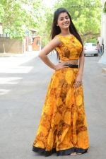 telugu-actress-yamini-bhaskar-stills-013